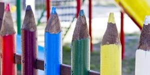Забор в виде карандашей